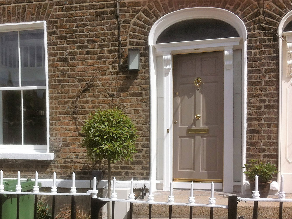 Painting & Decorating throughout, including woodwork, windows and hand-painted bespoke units.