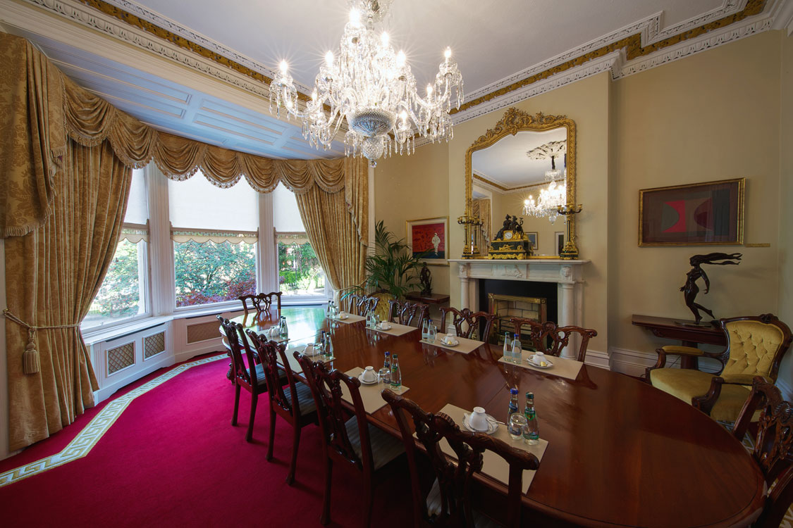 grand decorated meeting room. Painting & Decorating throughout, bespoke wallpapering and ongoing maintenance.
